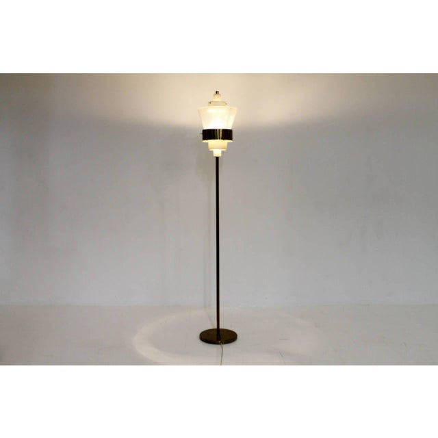 Metal Stilnovo Floor Lamp in Brass and Lucite, Italy, Circa 1950s For Sale - Image 7 of 7