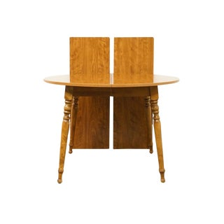 20th Century British Colonial Ethan Allen Heirloom Nutmeg Dining Table For Sale