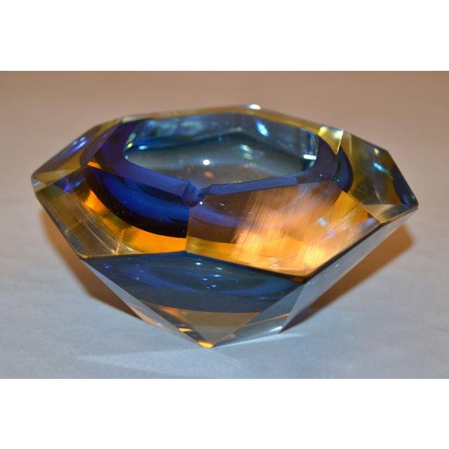 Multi Faceted Murano Glass Ashtray Attributed to F. Poli by Vetri Molati Murano For Sale In Miami - Image 6 of 12