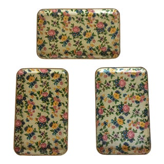 Vintage Chintz Paper Snack Trays Made in Japan - Set of 3 For Sale