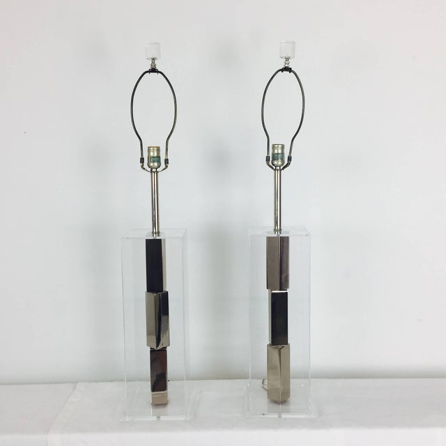 Pair of Lucite and Chrome Table Lamps by Laurel With Silk Shades For Sale - Image 10 of 13