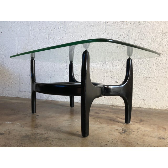 1960s Vintage Mid Century Modern Glass Top Side Table in the Style of Adrian Pearsall. For Sale - Image 5 of 10