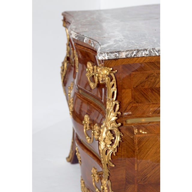 Early 18th Century French Regence Dore Bronze Bombe Commode For Sale - Image 4 of 13