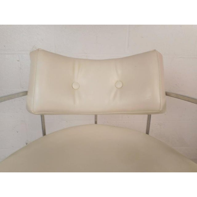 White Set of Mid-Century Modern Dining Chairs in the Style of Milo Baughman For Sale - Image 8 of 11