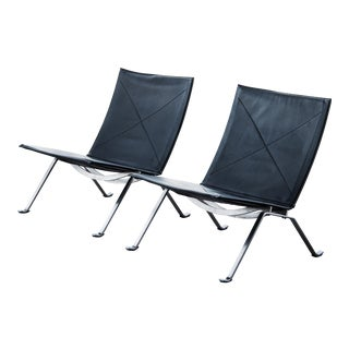 Poul Kjaerholm Pk22 Lounge Chairs - a Pair For Sale