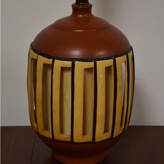 Mid Century Pottery Table Lamp - Image 5 of 9