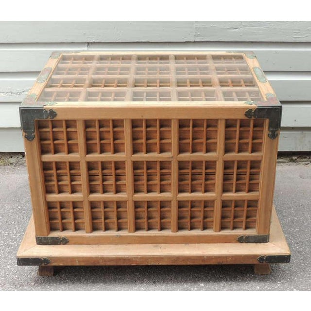 19th C Japanese Pine Ceremonial Saki Box For Sale In Charleston - Image 6 of 8