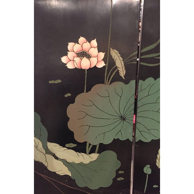Wood 20th Century Chinoiserie Gilt and Black Lacquered 12 Panel Screen For Sale - Image 7 of 8
