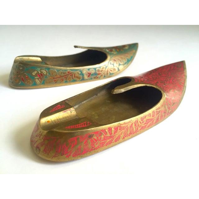 Vintage Mid Century India Cast Brass Incised Enamel Shoes Incense Burner Ashtrays - Set of 2 For Sale - Image 11 of 13