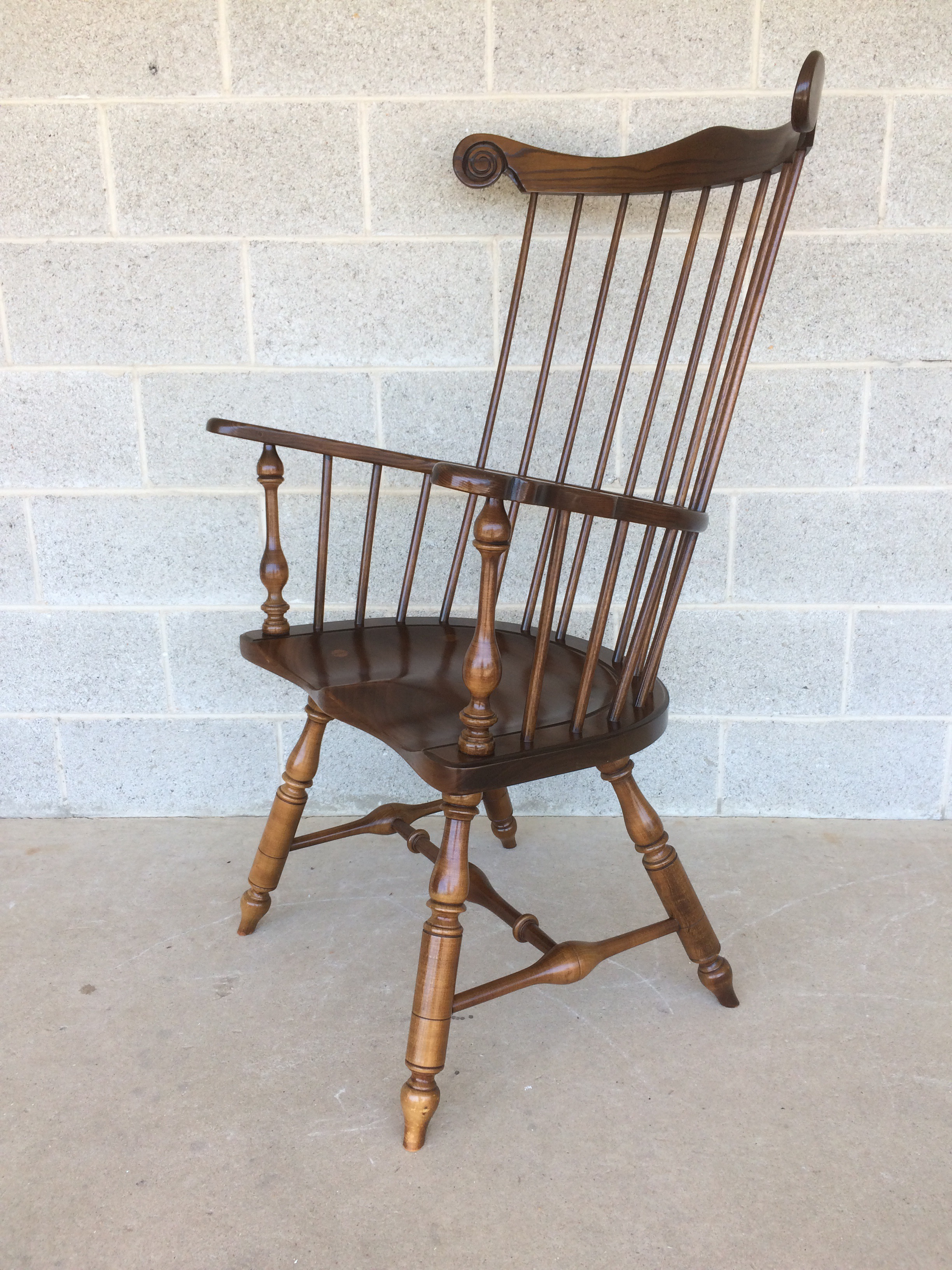 Frederick Duckloe Windsor Comb Back Chair   Image 4 Of 10