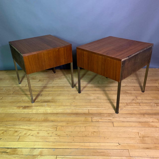 Metal Pair Edmund Spence Walnut and Brass End Tables, Sweden 1945 For Sale - Image 7 of 11