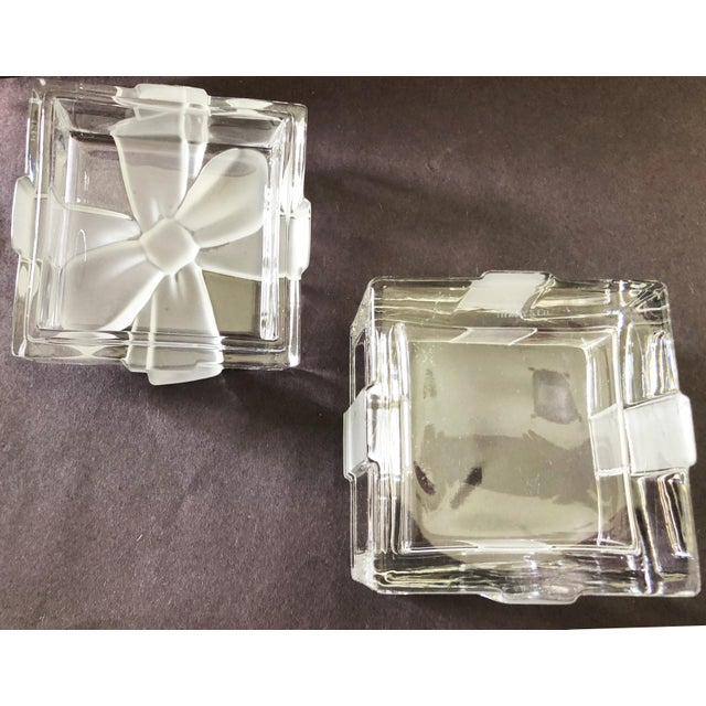 """White 3 3/4"""" Tiffany & Co. Ribbon & Bow Crystal Trinket Box For Sale - Image 8 of 9"""