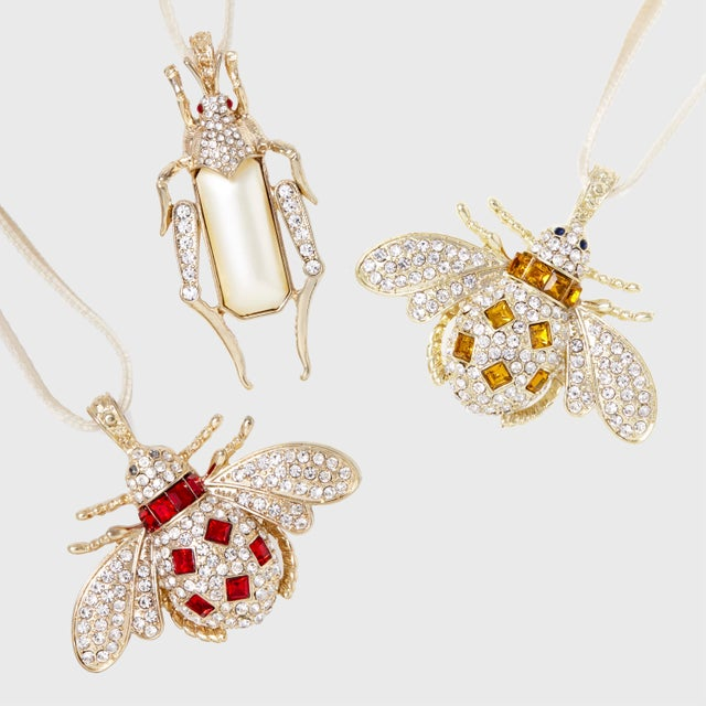 These clips in tones of ruby, amber and pearl can be clipped to anything the tip of a tree branch, a wreath, a gift....