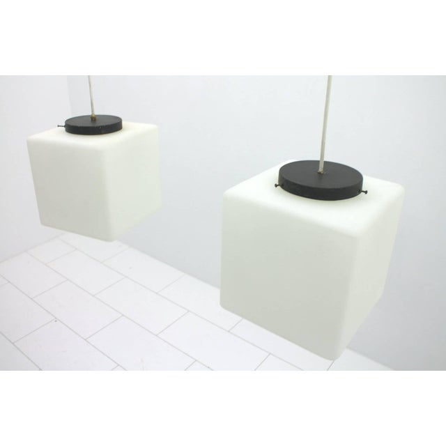 1960s Pair of Milk Glass Cube Pendants by Stilnovo, Italy, 1960s For Sale - Image 5 of 8