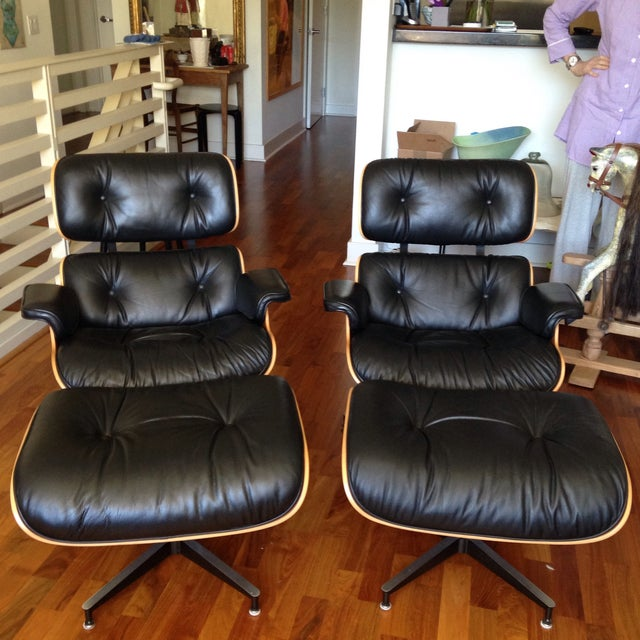 Eames 670 Lounge Chairs & 671 Ottomans - a Pair - Image 2 of 11