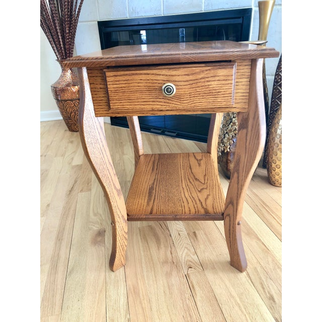 Oak 1990s Amish Crafted Transitional Chairside Table For Sale - Image 7 of 13