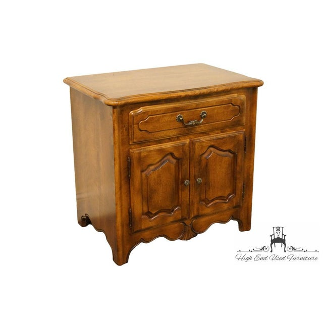 """Dimensions: Height: 25"""" Width: 26"""" Depth: 17.5"""" We specialize in High End Used Furniture that we consider to be at least..."""