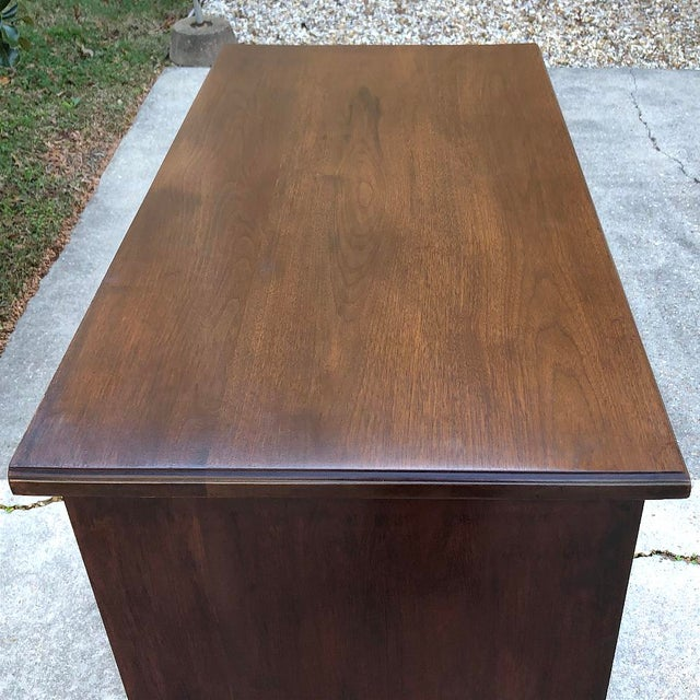 19th Century English Mahogany Chest of Drawers For Sale - Image 10 of 12