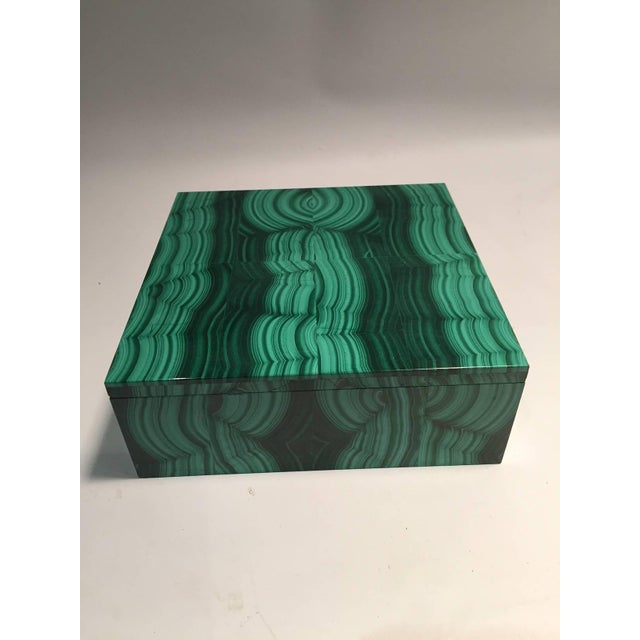 Emerald Large Square Bookmatched Malachite Box with Removable Lid Made in India For Sale - Image 8 of 9