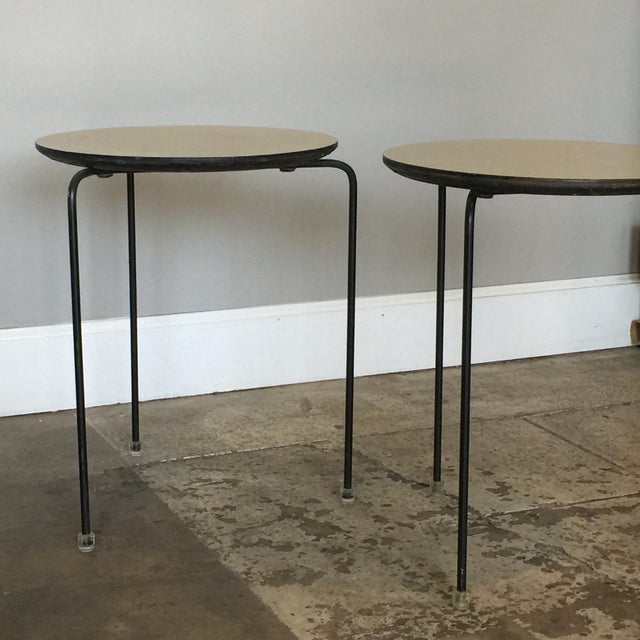 Mid-Century Modern 1950s Slender Tripod Lucite Detail Laminate Side Tables - a Pair For Sale - Image 3 of 6