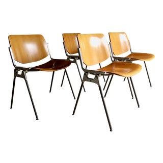 Giancarlo Piretti DSC Axis 106 Chairs Castelli, circa 1960s, Italian - Set of 4 For Sale
