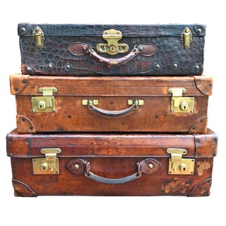 Set of Three English Edwardian Leather Suitcases For Sale