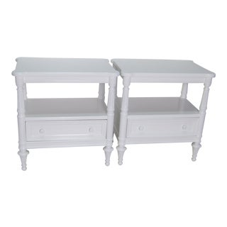 1980s Country Thomasville White Lacquer Finish Nightstands - a Pair For Sale