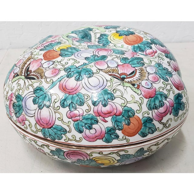 Ceramic Mid 20th Century Chinese Porcelain Container With Lid For Sale - Image 7 of 10