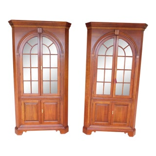 Statton New Market Chippendale Style Lighted Cherry Corner Cabinets - a Pair For Sale