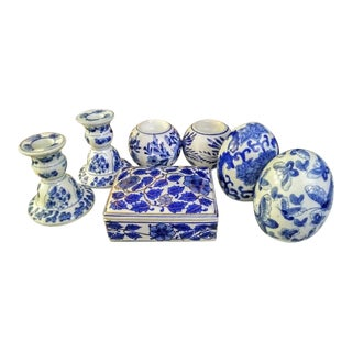 7 Piece Set Blue White Chinoiserie Candle Stick Holders, Jewel Box Ceramic Table Decor For Sale