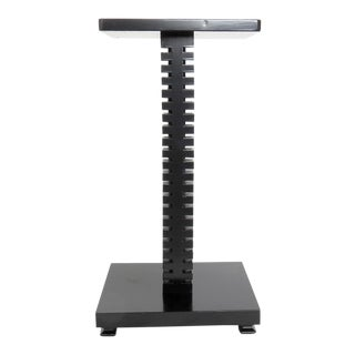 Spine-Like Column Table