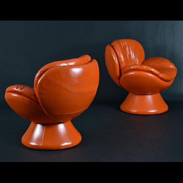 Contemporary Nineteen-Laties Pedestal Base Orange Leather Swivel Pod Chairs by Jaymar For Sale - Image 3 of 13