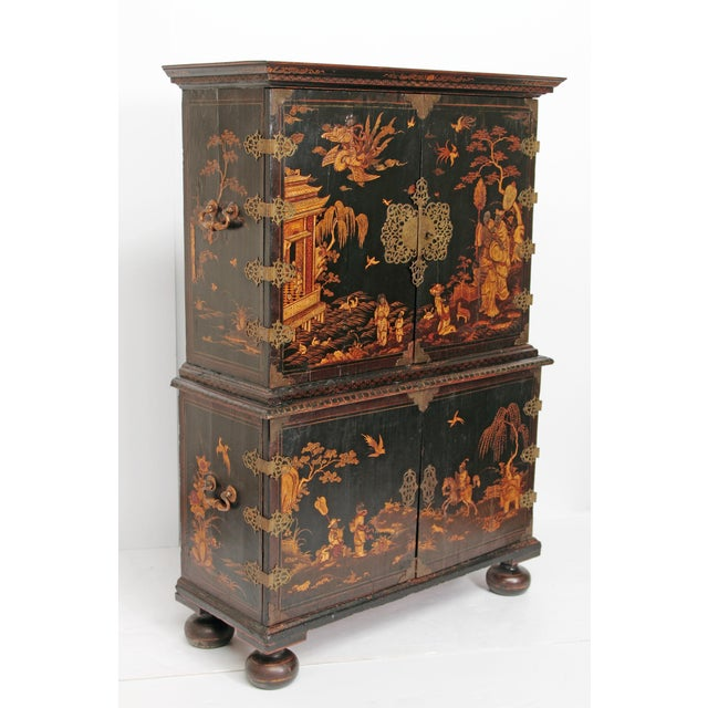 Asian Queen Anne Collectors Cabinet / Japanned For Sale - Image 3 of 13