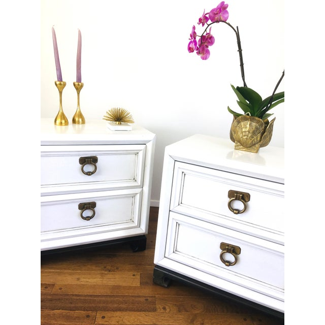 1960s Vintage Hollywood Regency White Mid Century Nightstands or Side Tables, Pair For Sale - Image 5 of 12