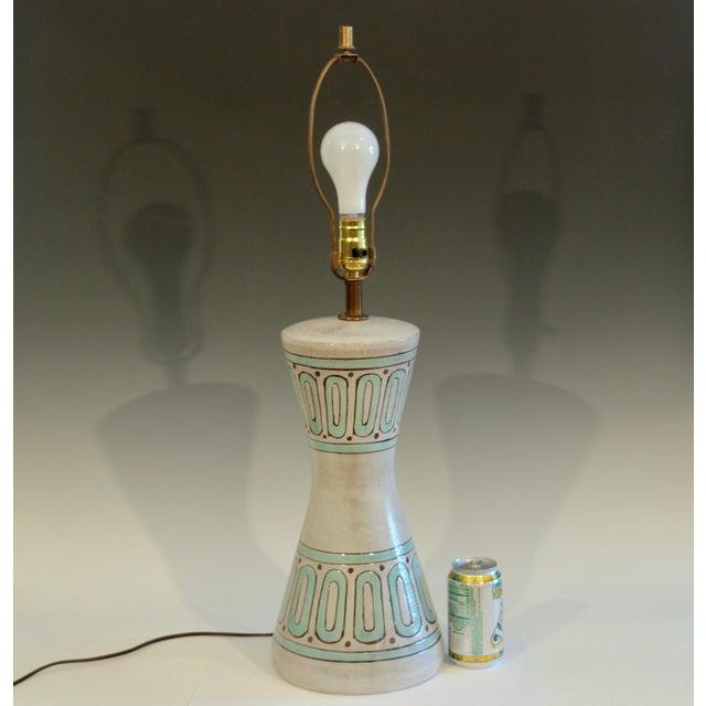 Ceramic 1960s Bitossi Pottery Londi Vase Italian Raymor Geometric Abstract Ceramic Lamp For Sale - Image 7 of 7