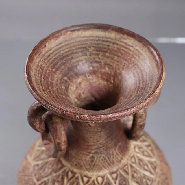Mid 20th Century Mid 20th Century Latin American Clay Vase With Rings Handles For Sale - Image 5 of 7