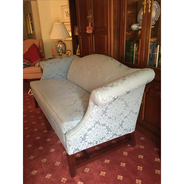 Traditional Style Blue Camelback Sofa/Settee - Image 3 of 4