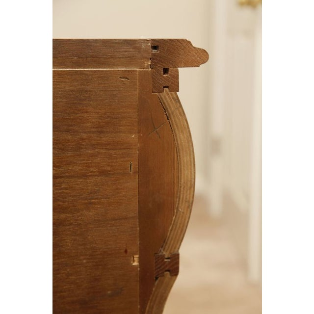 Vintage Century Furniture 3 Drawer Keyhole Chest - Image 9 of 9