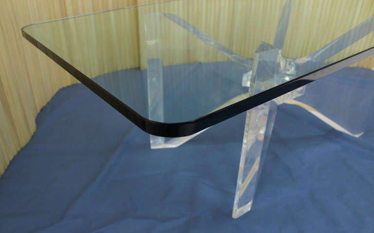 Early 20th Century Mid Century Modern Lucite Base And Glass Top Butterfly  Coffee Table For Sale