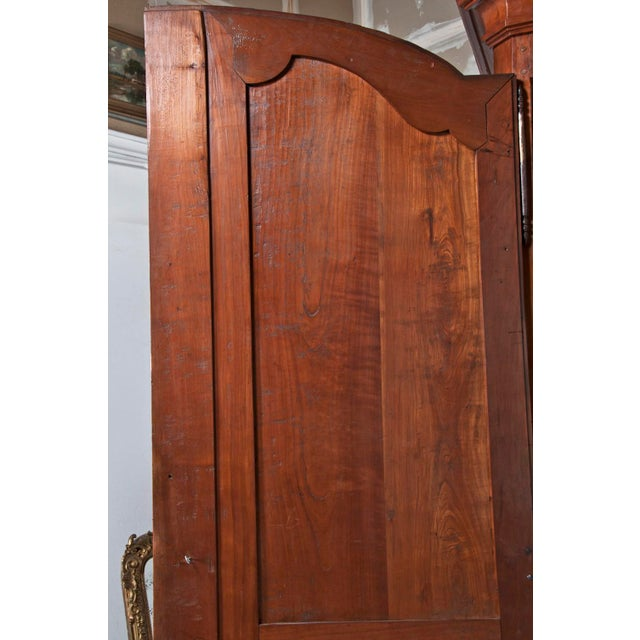 18th Century french Louis XVI Walnut Chateau Armoire For Sale In San Francisco - Image 6 of 9