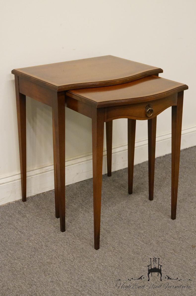 Hekman Furniture Hekman Grand Rapids Banded Mahogany Nesting End Tables    Set Of 2 For Sale