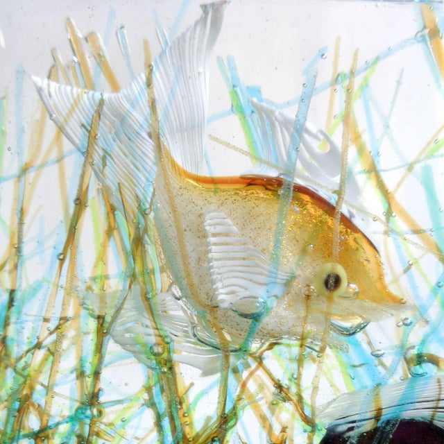 Cenedese Murano Three Fish Italian Art Glass Aquarium Block on Lighted Base For Sale In Orlando - Image 6 of 8