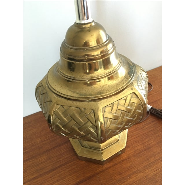 Mid-Century Asian Basketweave Brass Table Lamp For Sale - Image 4 of 6