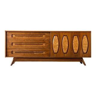 Mid Century Modern Young Manufacturing Lowboy Dresser/Credenza For Sale