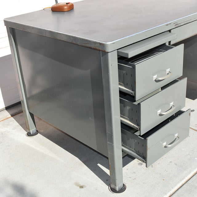 General Fireproofing Co. 1930's Mid Century Modern Steel Tanker Desk For Sale - Image 4 of 13