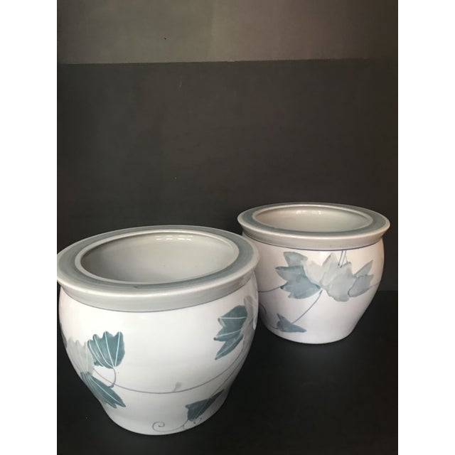 Pair of Chinese Blue & White Ceramic Leaf Planters For Sale In Chicago - Image 6 of 13