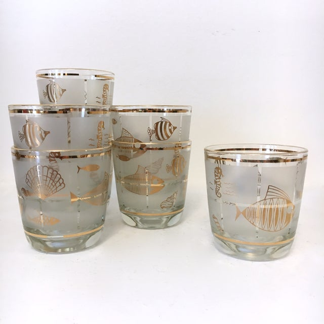Glass Vintage 1960's Libbey Frosted and Gold Sealife Old Fashioned Glasses in Caddy - Set of 8 For Sale - Image 7 of 9