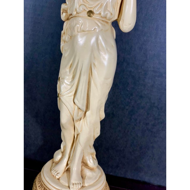 Hollywood Regency Mid-Century Vintage Tall Venus W/Amphora Cachepot Statue For Sale - Image 3 of 11