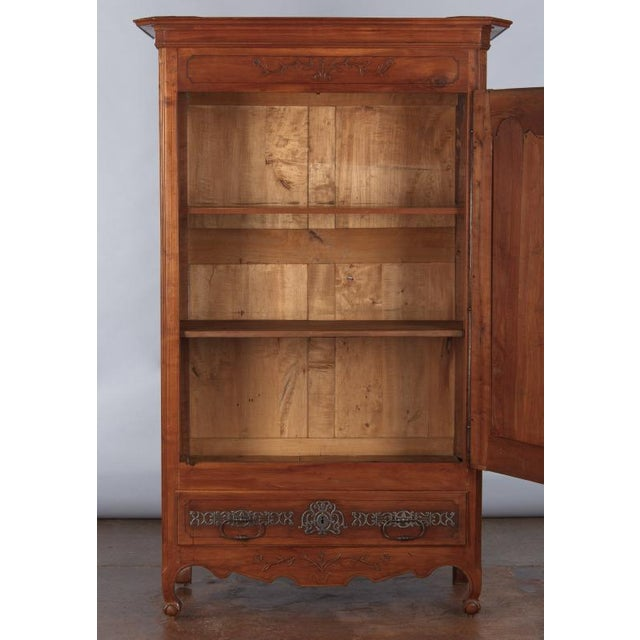 French Louis XV Cherrywood Bonnetiere Armoire, 18th Century - Image 4 of 11