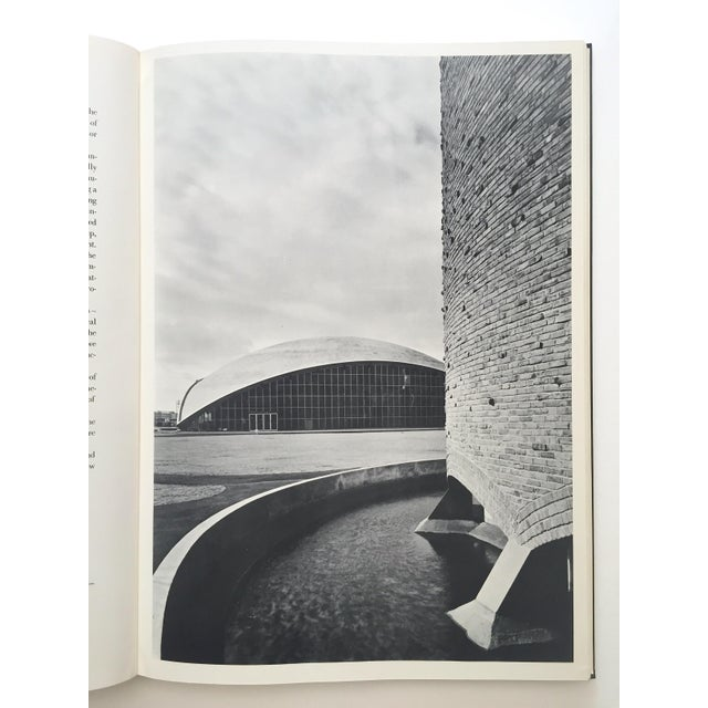 "Black & White Photography "" Eero Saarinen on His Work "" Rare Vtg 1968 Collector's Slipcase Large Hardcover Mid Century Modernism Architecture Book For Sale - Image 7 of 13"